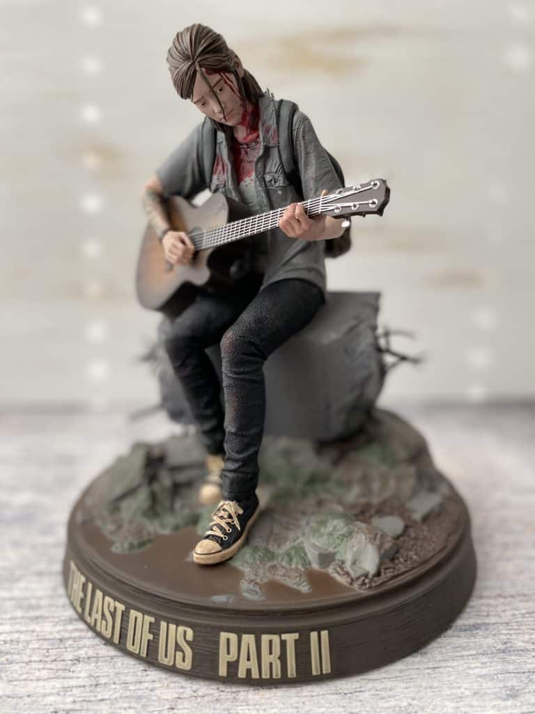 Statue of Ellie from The Last of Us Part II Collector's Edition
