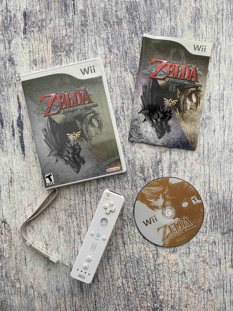 Zelda Twilight Princess for Wii case, disc, manual, and Wii remote